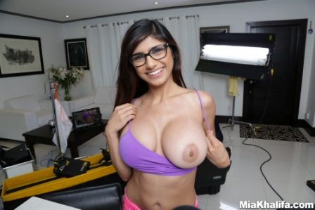 Mia Khalifa – Me Getting extra dick Behind the scenes!