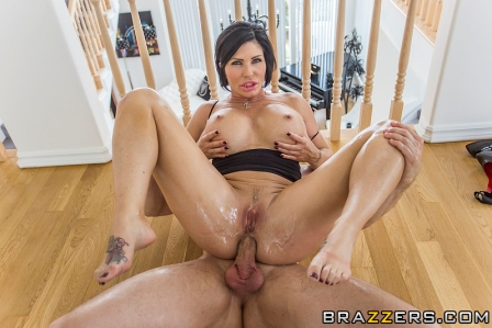 Brazzers – Slipping Into Shay's Big Wet Ass