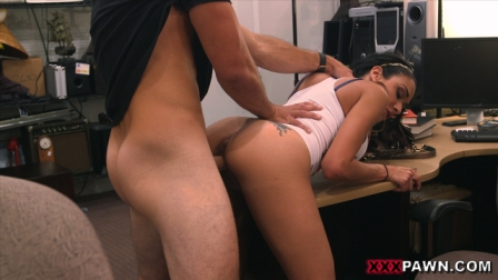 Big titty Latina is a slut for some cash5
