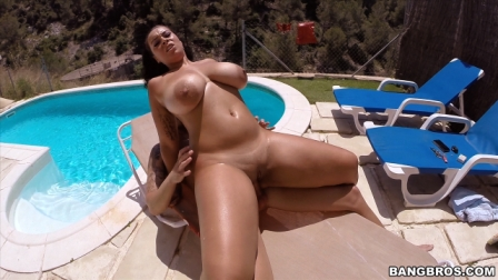 Bangbros – All natural 32H from Europe, with Love!