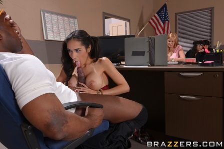 Brazzers – My Phys Ed Teacher Fucked My Tits
