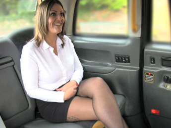 Faketaxi – Cracking arse and great tits