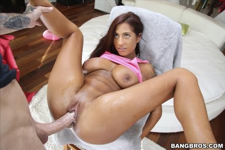 Bangbros – Stacy Jay gets that big ass pulverized