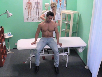 Fakehospital – Patient gets the sexy treatment
