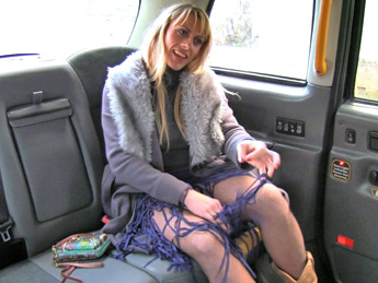 Faketaxi – Anal sex pays for Czech babes fare