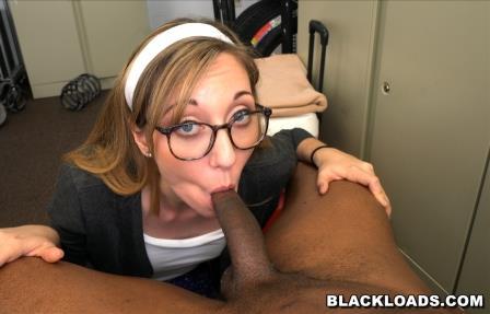 Blackloads – Emma Haize gets anal balls deep
