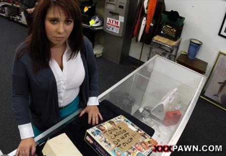 Xxxpawn - MILF sells her husbands stuff for bail