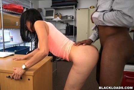 Blackloads – Teaching Jessica a Lesson