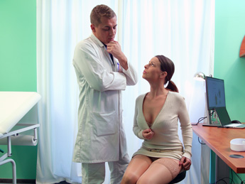 Fake Hospital – Doctor gets sexy patients pussy wet