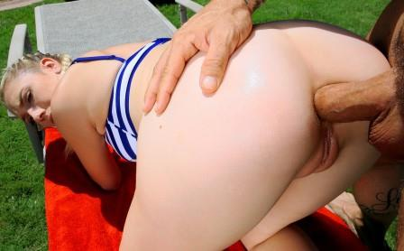Lets Try Anal – Outdoor Anal for All Natural Roxy
