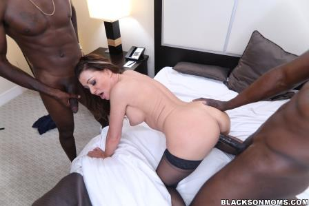 Blacks On Moms – Wife Gia Giacomo Gets 2 Black Cocks to Play With