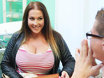 Fake Hospital - Babe wants cum on her big tits