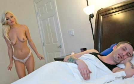 Sis Loves Me – Cameron Dee Step Sis Gets The Dick