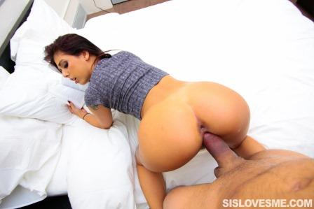 Sis Loves Me – Gina Valentina Blowjob Revenge