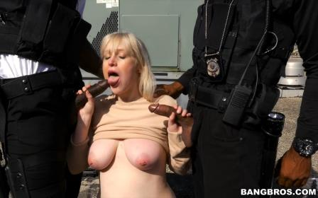 Bangbros – White Mayors Daughter gets fucked by Black Law