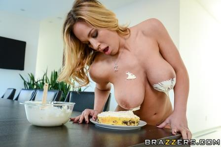 Brazzers – Sweet Treat For A Neighbor