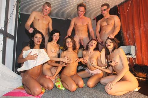 Student Sex Parties Student girls enjoy wild