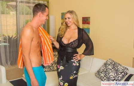 My Friend's Hot Mom Julia Ann