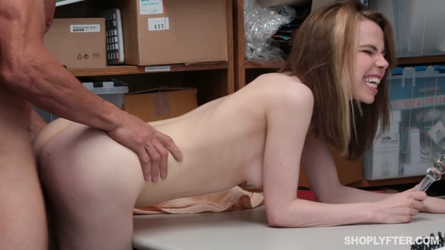 Shoplyfter Alina West Case No 71499292