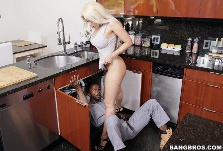 Bangbros Luna Star Gets Piped