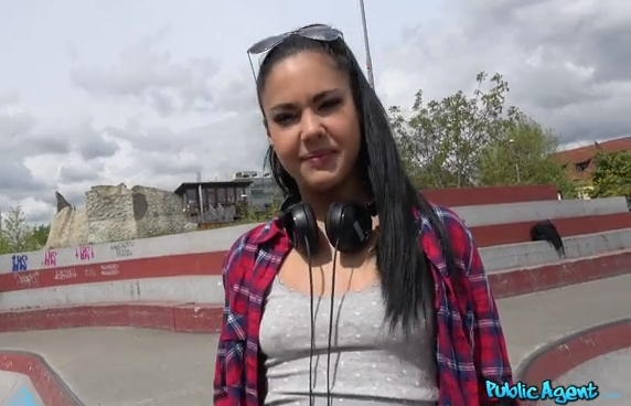 Public Agent Apolonia Forget Your BF and Fuck Me for Money