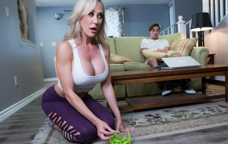 Brazzers Making A Mess On Stepmom