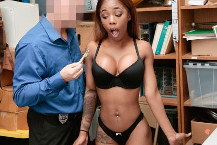 Shoplyfter Sarah Banks case No 8859812