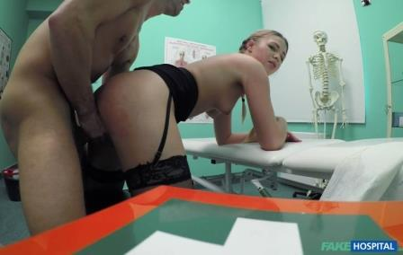 FakeHospital Cute pigtailed cleaner sucks cock