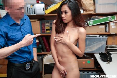 Shoplyfter Aurora Winters Case No 3667862