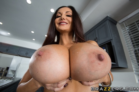 Brazzers One Strict Mama