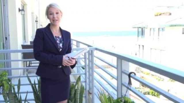 Property Sex Making a MILF-estate Video