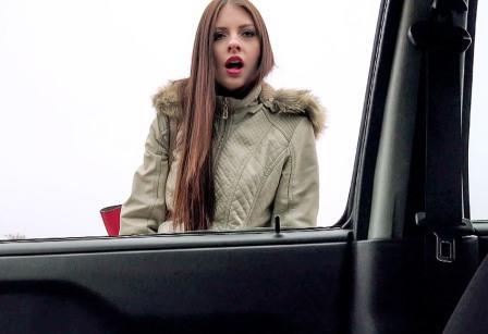 StrandedTeens Hitchhiker Gives Blowjob In Car