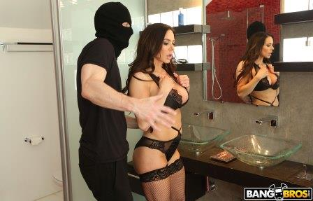 Ass parade Kendra Lust Takes Control of The Thief