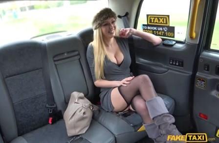 Faketaxi Busty blonde MILF fucks taxi cock