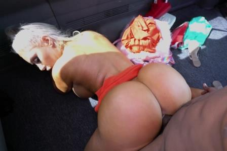 BangBus Malibu Barbi Gets Some Miami Dick