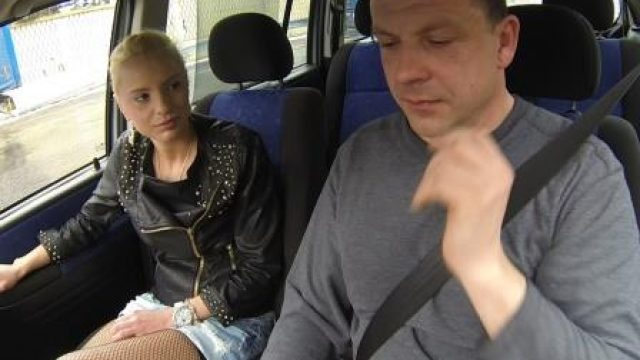 Czech Bitch 3 Unprotected anal for cash