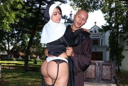 Bangbros clips Yudi Pineda Is The Squirting Nun