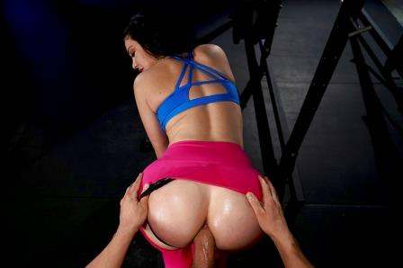 Big Wet Butts Workout Her Ass