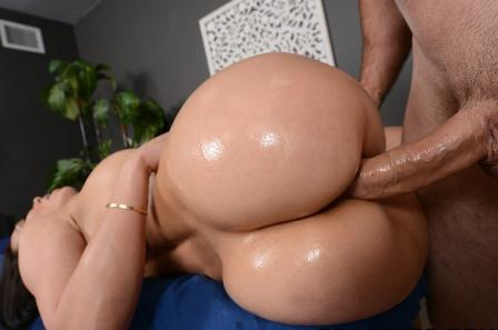 Dirty Masseur A Five Starr Massage
