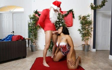 Ass Parade Santas Cumming Down Her Chimney