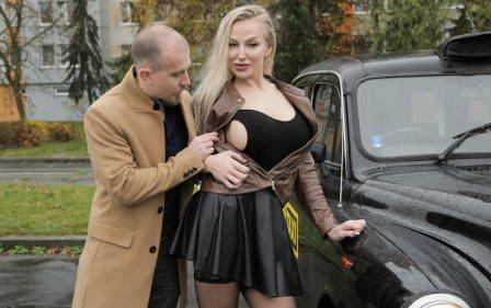 Female Fake Taxi Kayla Green and the Budapest Man