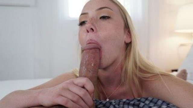 BlowJob Friday Dixie Lynn Loves To Deep Throat