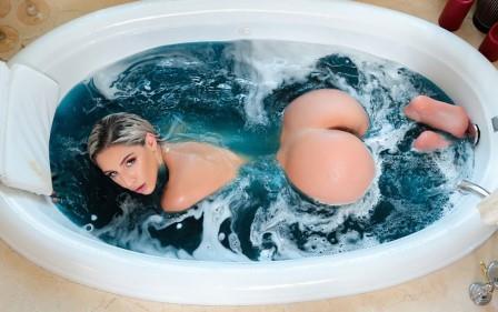 RK Prime Banging Bath Bomb