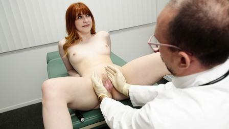 Perv Doctor Intimate Examination